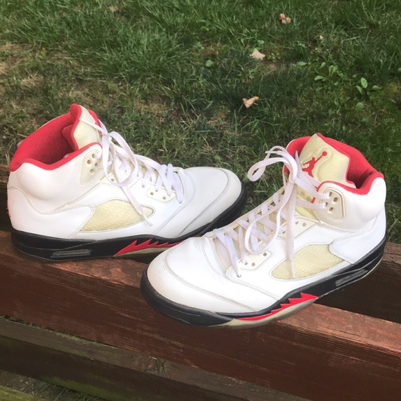 efe46ec08482 Jordan Other - Jordan Retro 5 Fire Red 🚨🔥